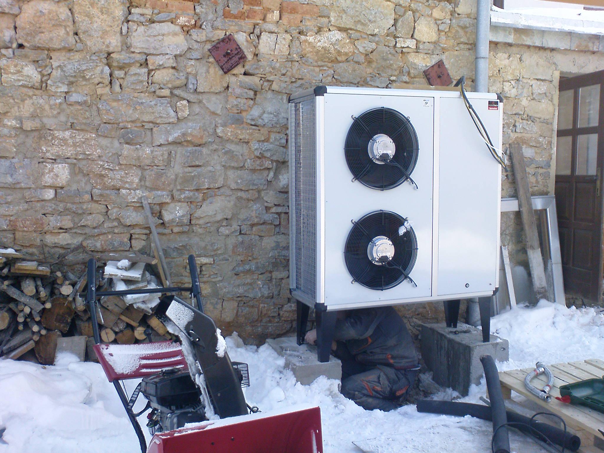 1. Tepelné čerpadlo lze montovat i v zimě